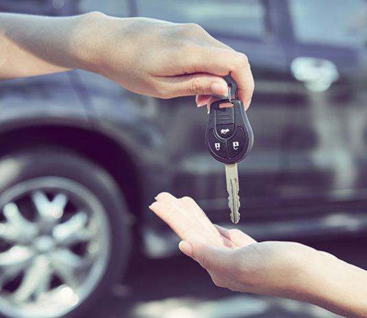 """Nowe kary za """"kręcenie"""" liczników - czy oznaczają, że samochód używany będzie można kupić bezpiecznie?"""