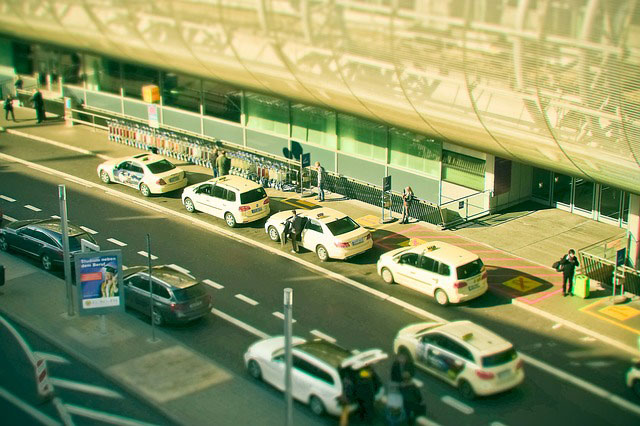 Taksówki w Warszawie zamówisz także przez smartfona