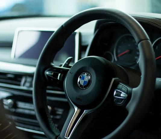 Jak zmniejszyć koszt ubezpieczenia auta?