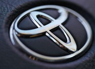 Na jakiego autoryzowanego dealera marki Toyota postawić